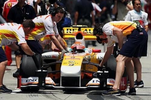 Button reuseste un nou pole-position pentru Brawn GP8676