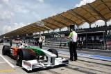 Button reuseste un nou pole-position pentru Brawn GP8678