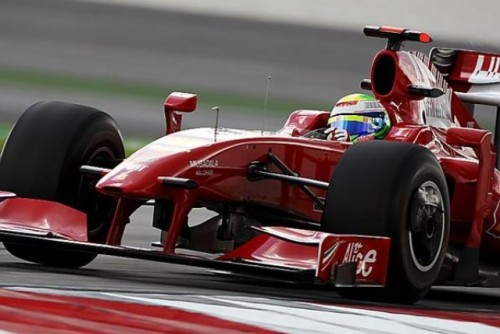 A treia sesiune de antrenamente: Rosberg il invinge pe Webber dupa o lupta apriga8673