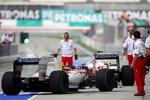A treia sesiune de antrenamente: Rosberg il invinge pe Webber dupa o lupta apriga8674