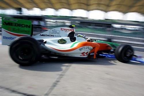 A doua sesiune de antrenamente: Ferrari a inviat in Malaezia8670