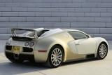 Imagini cu un Bugatti Veyron  auriu8609