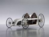 Mercedes reinventeaza automobilul8051