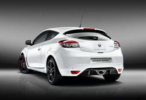 Noi fotografii cu Renault Megane RS8012