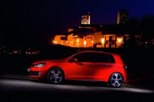 Volkswagen lanseaza noul Golf VI GTI!7915