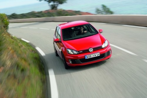 Volkswagen lanseaza noul Golf VI GTI!7931