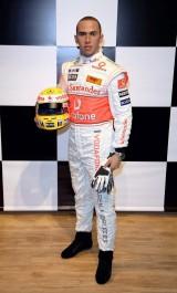 Lewis Hamilton ajunge statuie7810