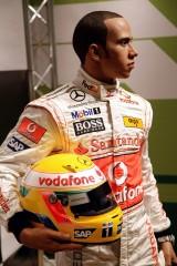 Lewis Hamilton ajunge statuie7815