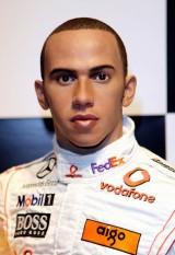 Lewis Hamilton ajunge statuie7817