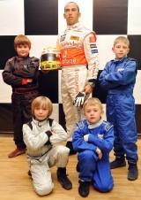 Lewis Hamilton ajunge statuie7818