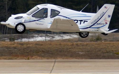VIDEO: Au inceput testele la masina-zburatoare7774