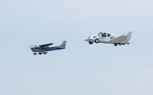 VIDEO: Au inceput testele la masina-zburatoare7775