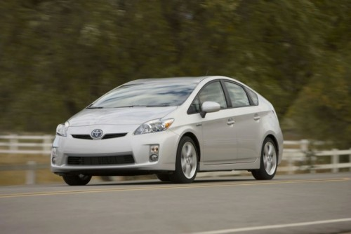 Toyota pregateste un rival mai ieftin pentru Honda Insight!7682