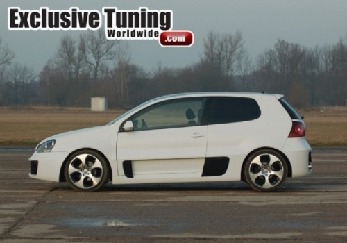 Un nou kit de caroserie pentru VW Golf!7639
