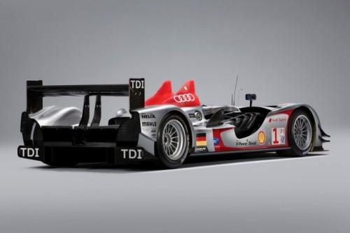 Un nou set de imagini cu Audi R15 TDI!7561