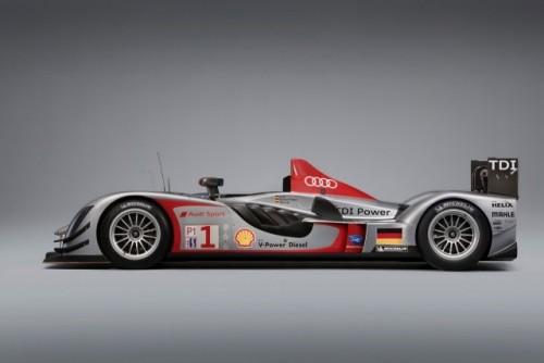 Un nou set de imagini cu Audi R15 TDI!7564