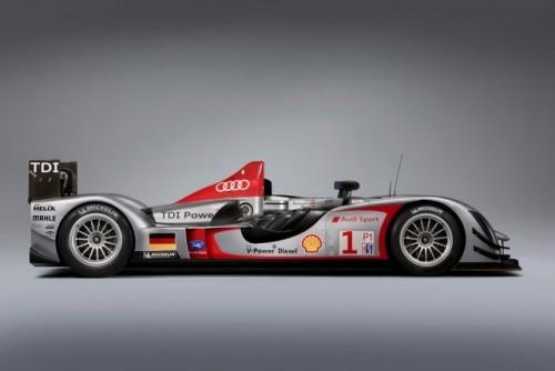 Un nou set de imagini cu Audi R15 TDI!7565