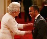 Lewis Hamilton a fost decorat de Regina Elisabeta7327