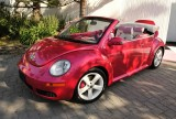 VW Beetle roz, promovat de Heidi Klum7320