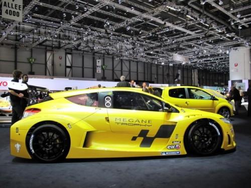 Geneva 2009: Renault Megane Trophy RS7052