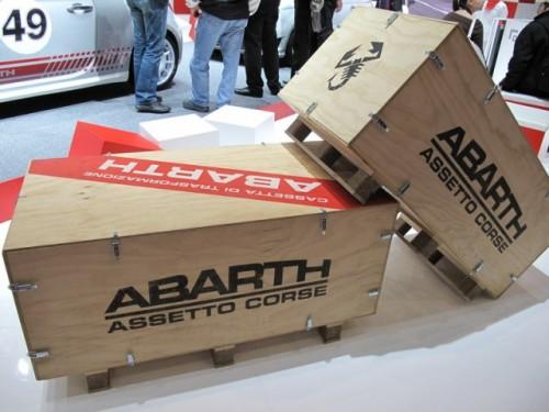 Geneva 2009: Standul Abarth alb-rosu peste tot!6891
