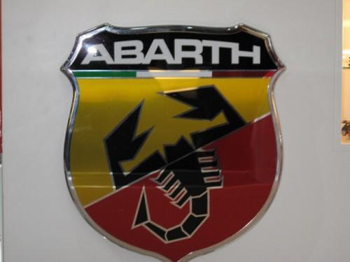 Geneva 2009: Standul Abarth alb-rosu peste tot!6893