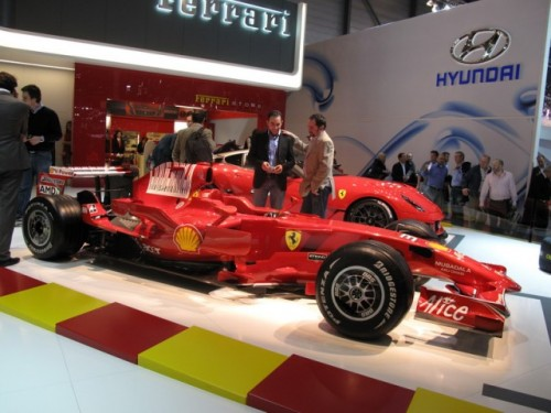 Geneva 2009 LIVE: Standul Ferrari6571