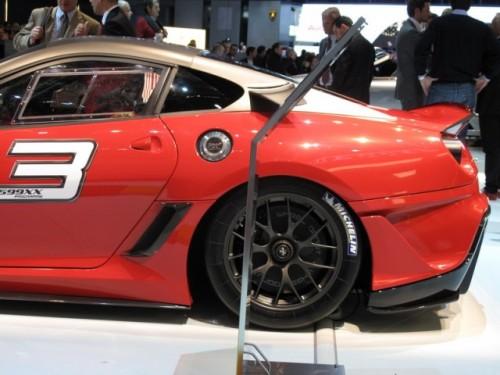 Geneva 2009 LIVE: Standul Ferrari6581