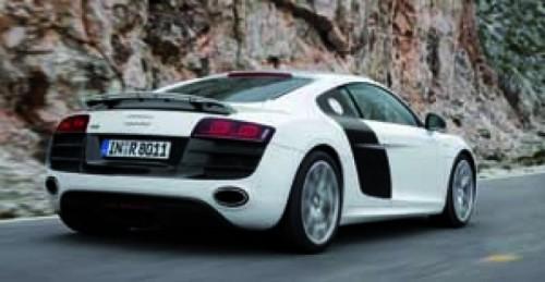Audi lanseaza un nou video cu R8 V10!5588