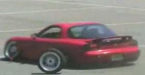 Mazda RX-7 a avut parte de un accident nefericit!4933