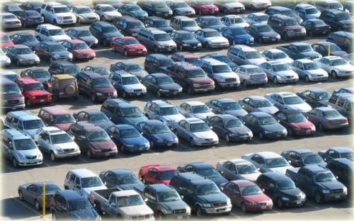 Guvernul amana adoptarea unei decizii in privinta taxei de poluare auto4509