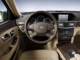 Traditia primeste o modernizare - Mercedes-Benz E-Class!4286