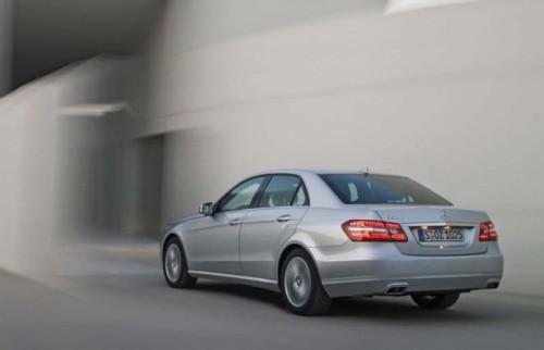 Traditia primeste o modernizare - Mercedes-Benz E-Class!4281