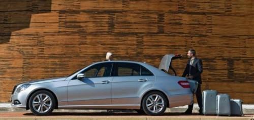 Traditia primeste o modernizare - Mercedes-Benz E-Class!4288