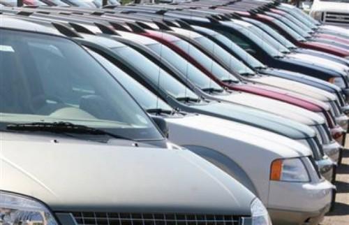 Piata auto ajunge la nivelul din 1999, din cauza crizei3969