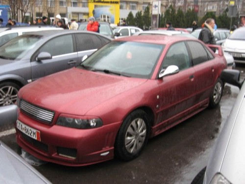 Taxa auto: sute de oameni in strada in Capitala3621