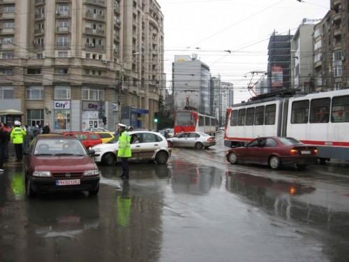 Taxa auto: sute de oameni in strada in Capitala3630