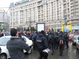 Taxa auto: sute de oameni in strada in Capitala3635
