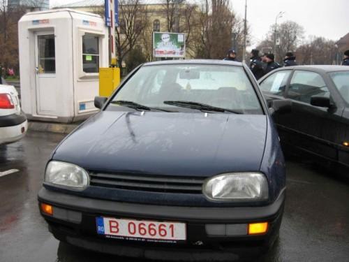 Taxa auto: sute de oameni in strada in Capitala3646