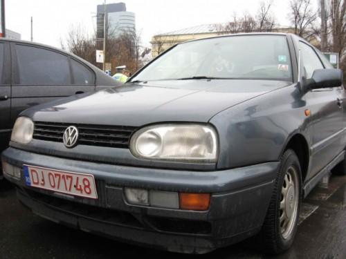Taxa auto: sute de oameni in strada in Capitala3649