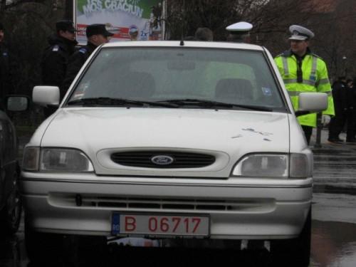 Taxa auto: sute de oameni in strada in Capitala3651