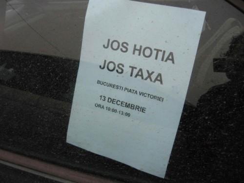 Taxa auto: sute de oameni in strada in Capitala3665