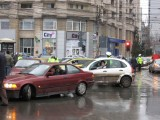 Taxa auto: sute de oameni in strada in Capitala3628