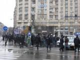 Taxa auto: sute de oameni in strada in Capitala3642