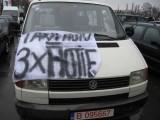 Taxa auto: sute de oameni in strada in Capitala3658