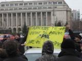 Taxa auto: sute de oameni in strada in Capitala3666