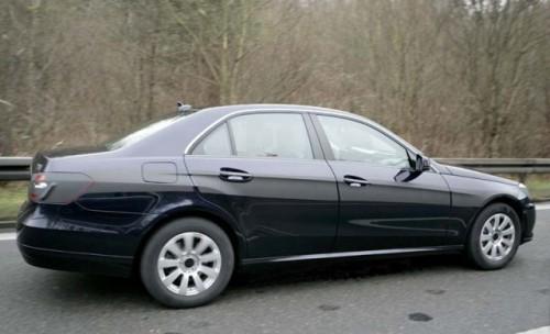 Imagini cu Mecedes E-Class versiunea 20103502