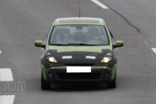 Imagini in premiera cu noua generatie de Renault Clio!3485