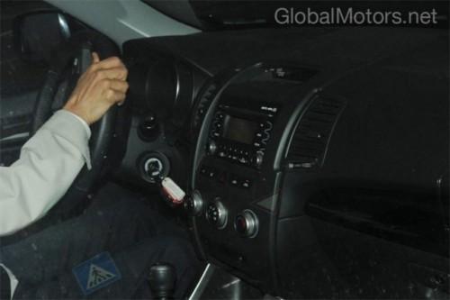 Kia Sorento - Noi imagini cu interiorul modelului din 20103336