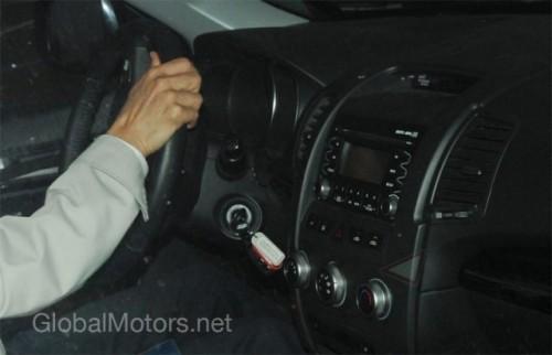 Kia Sorento - Noi imagini cu interiorul modelului din 20103338
